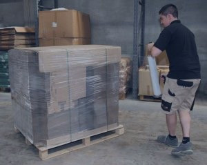 shrink-wrapping-pallets--300x239_edited.