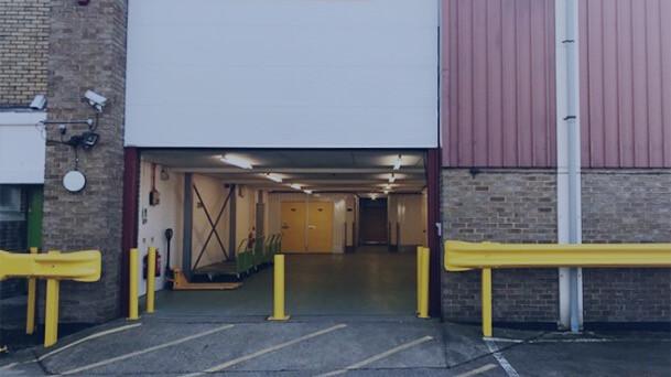 storagemart-walton-on-thames-uk-storage-