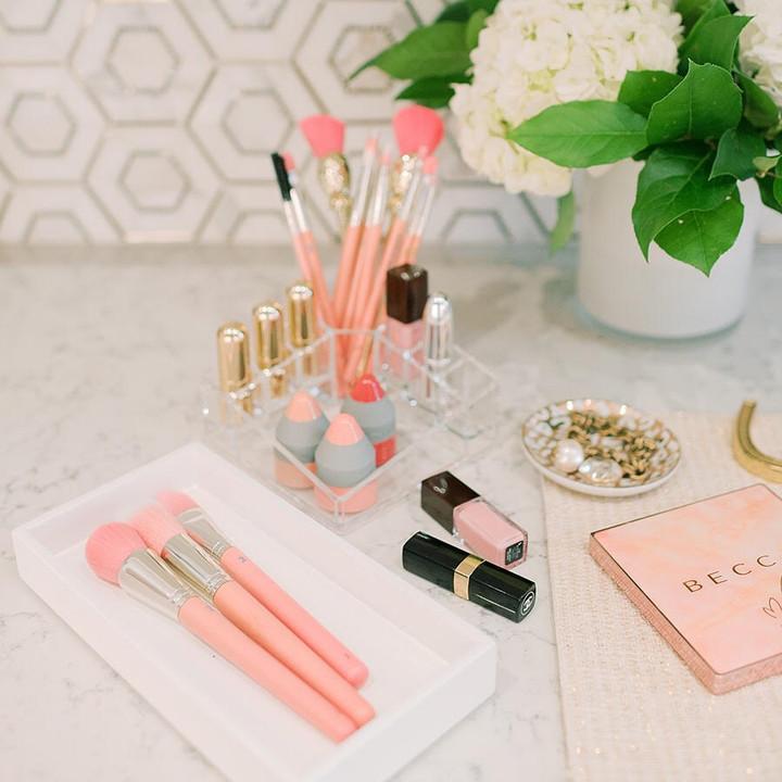 Organizing Your Cosmetics Stash