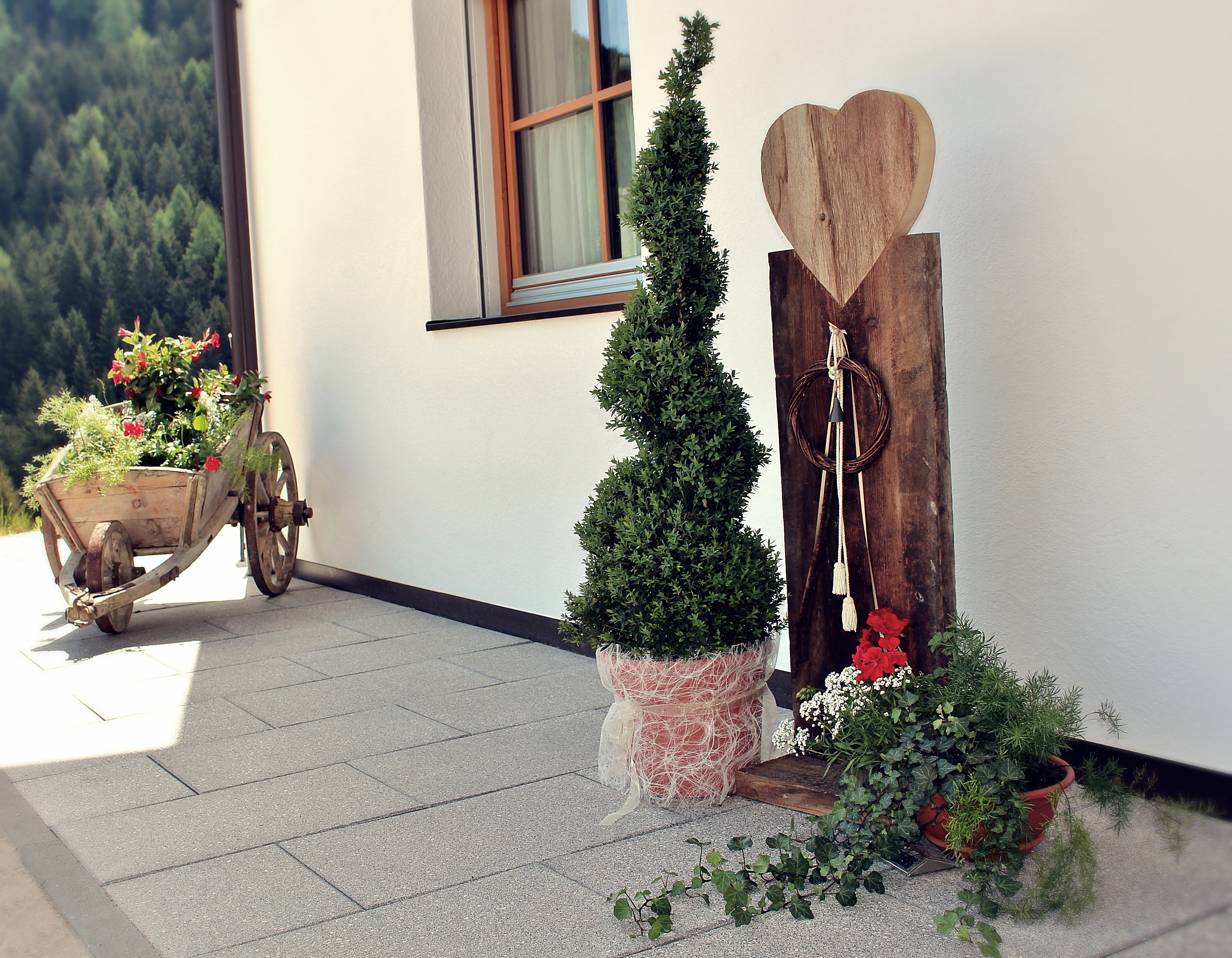 Residenz Erschbaum Blumenherz Sommer