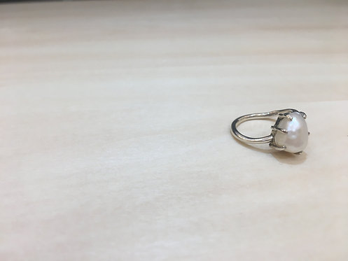 pearl ring(s)