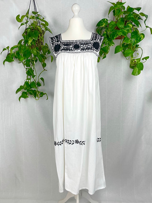 Aguacatenango dress - Black embroidery