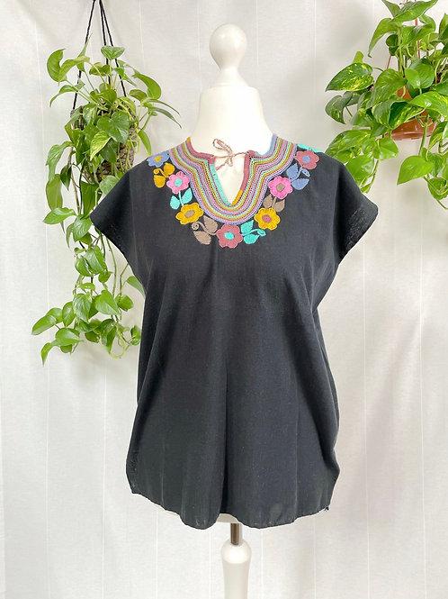 Dominga blouse - Black with pastel tones