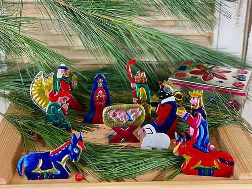 Nativity scene in a box