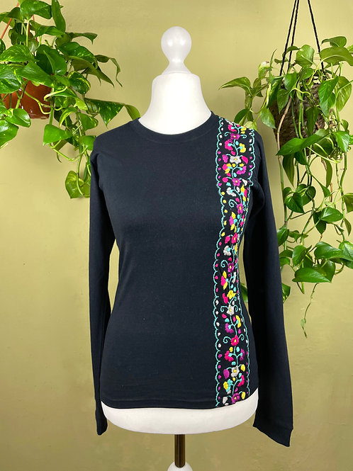 Tehuacan flowers long sleeve black t-shirt / Small size