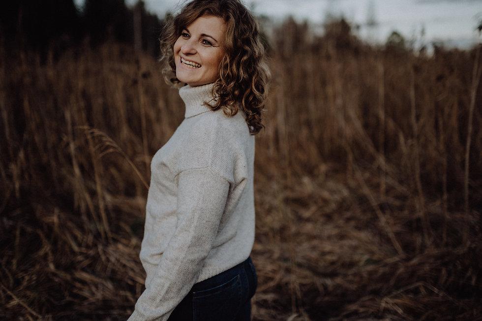Carola Schöbinger Persönlichkeitsentwicklung EPT Emotional Power Tapping Hypnose Mentales Training