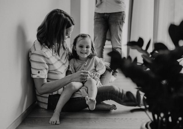Familienfotograf Portraitfotograf Porträtfotograf Fotograf Hochzeitsfotograf Fotografin Oberösterreich Einfach Katharina Baumgartner Familienreportage Hochzeitsreportage Hochzeitsfotos Familienfotos Wilhering Eferding Linz