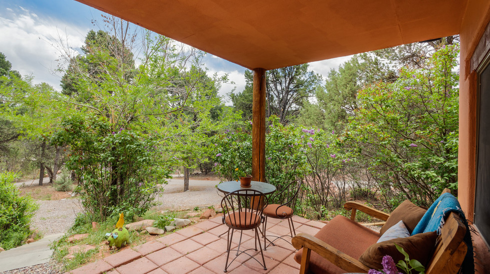 Enjoy time on your private patio and watch the wildlife stroll by, just 10 minutes outside of downtown Carbondale.