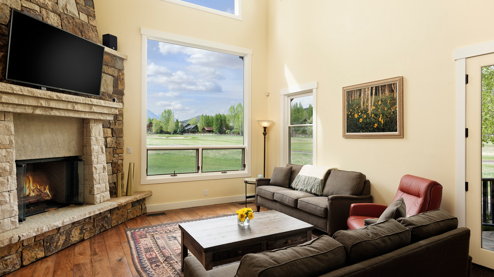 Main living room and gas fireplace.