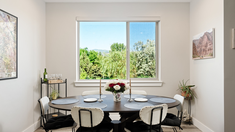 Bright dining room with space for the whole family