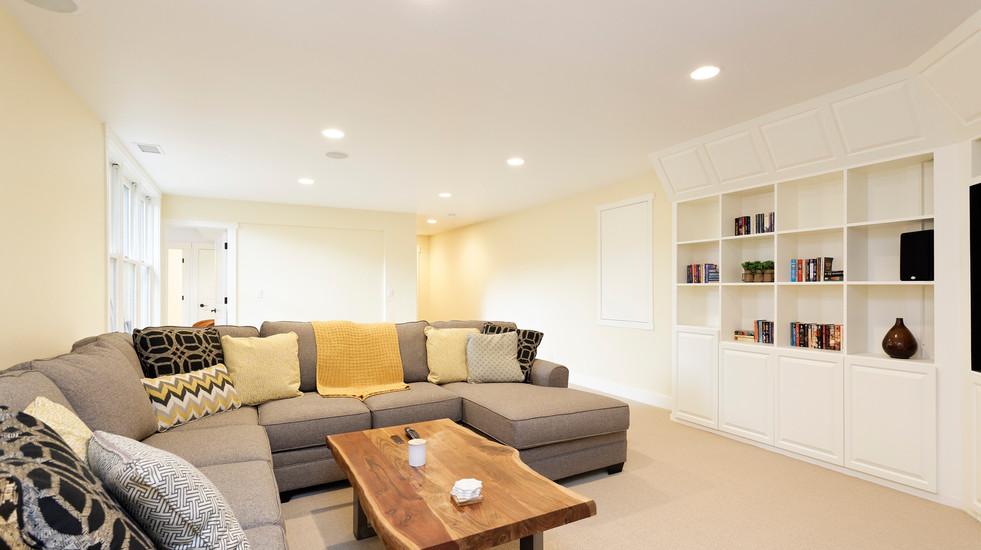 Garden-level additional living room