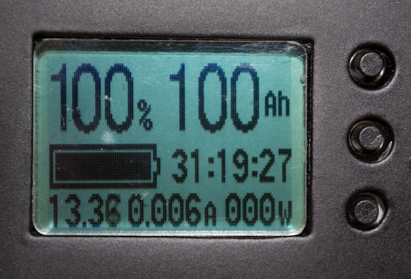Close up of Ion-Ready State of Charge Display