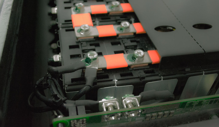 Lithium Ion Battery Bank, Interior connections