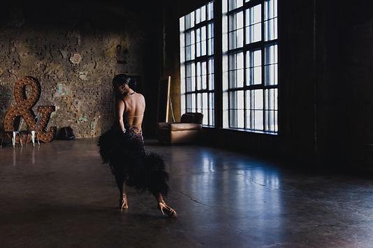 Dançarino fêmea no estúdio