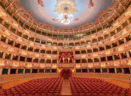 Riapre il teatro la Fenice. Con un concerto Venezia ringrazia il personale medico-sanitario