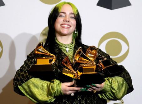 Trionfo Billie Eilish ai Grammy. Vince in tutte le migliori categorie