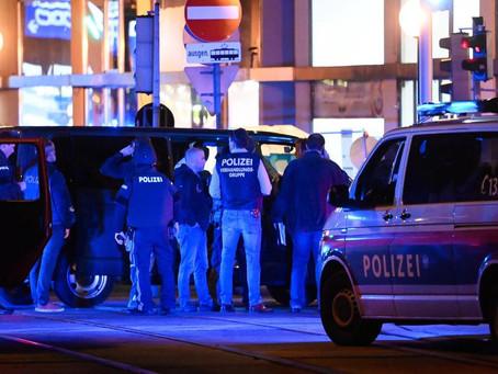 Vienna sotto assedio. Ci sono morti e ostaggi. Blitz della Polizia. È terrorismo