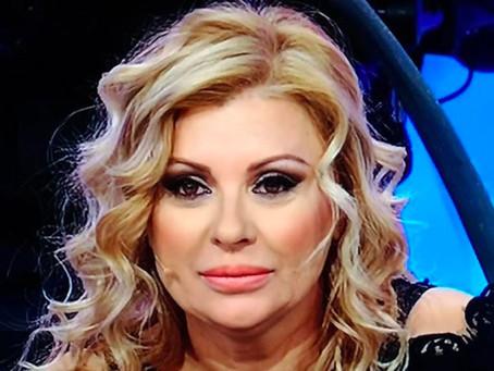 """Tina Cipollari non sarà in studio a """"Uomini E Donne"""" perché in quarantena"""