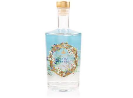 La regina vende il suo gin, con le erbe di Buckingham Palace