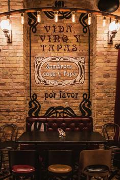 13_vicky barcelona budapest (3).jpg
