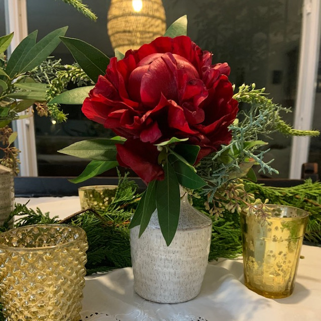 """Holiday Tablescape Kit"""