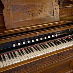 Packard Organ, Hotel Colorado