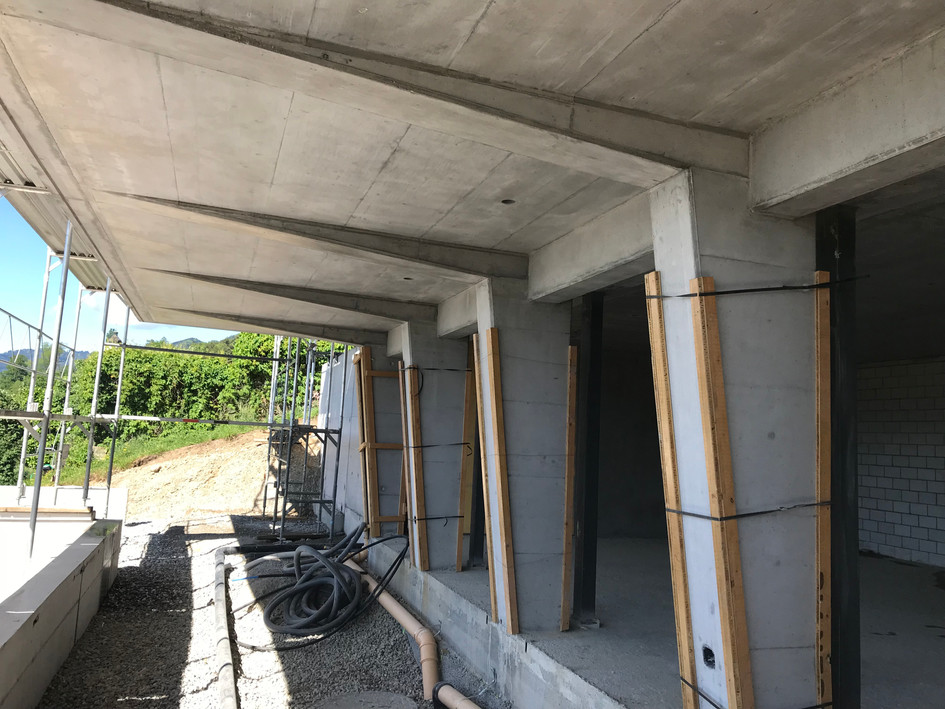 Bauleitung EFH, Haus im Wein