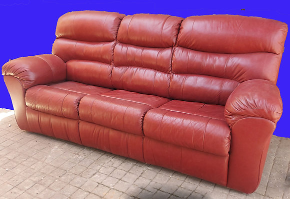Palliser-Brand-Leather-Sofa-Bed-Queen-Size