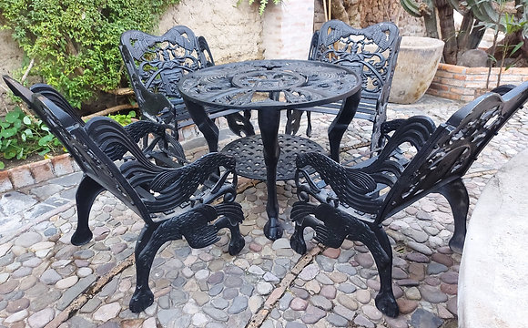 cast-aluminium-patio-table-4-chairs- Seal-of-city-of Guadalajara