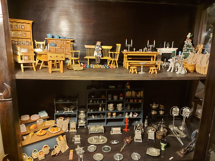 Collection of Fine Doll Furniture and Accessories, hard to find items!