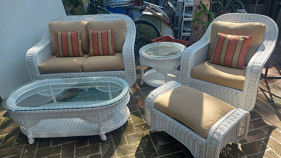 5 Pc. Wicker Patio Set,  Excellent Quality and Condition