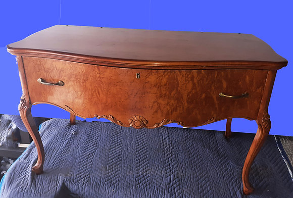 birds-eye-maple-dresser