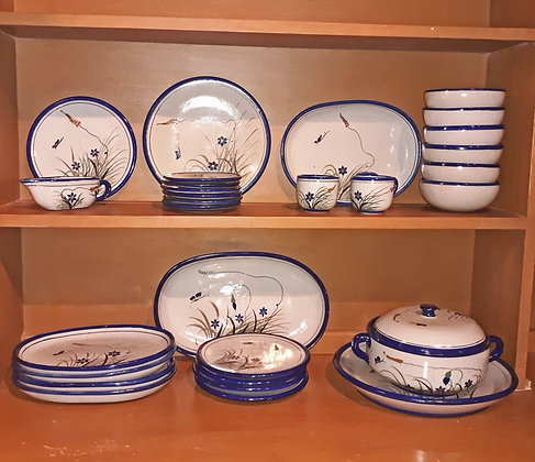 Mexican Stoneware Partial Dinner Service, Xochiquetzal, 31 pcs.