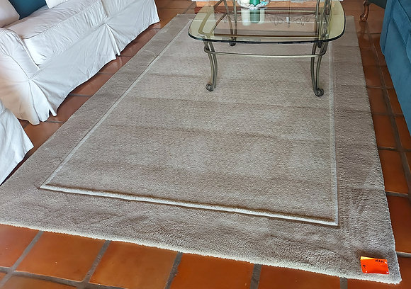 Machine Made Area Rug, Ex. Condition; 9' by 6', W/ rug pad