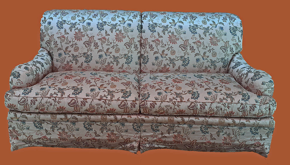 TRS sofa