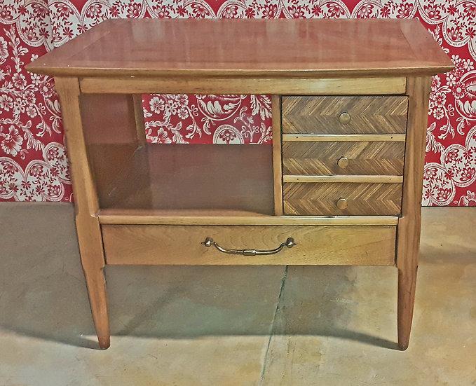 Table Lamp Tomlinson Furniture