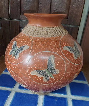 "Heri Mora,  signed Mata Ortiz Pottery, 11"" tall"