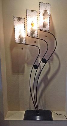 Mid-Century-floor-lamp-fiberglass-shades