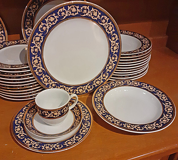 Turkish Porcelain Dinner Service, 57pieces, service for 9 complete