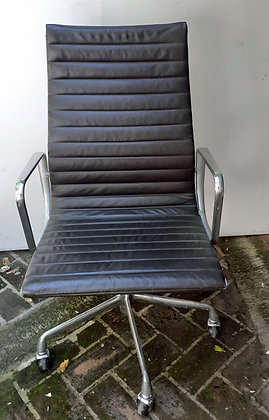 Eames-Herman-Miller-Office-Chair-Leather