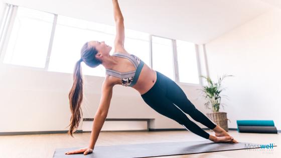 Seitliches Rumpfheben Yoga Übung