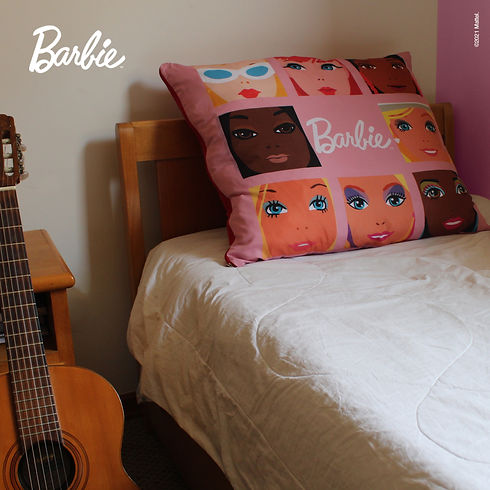 Almofada Rosa Barbie Quarto Post.jpg