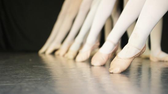Ballet Line2.jpg