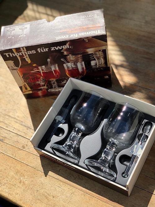 Thomas Fur Zwei glasses