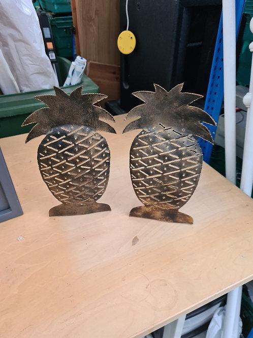 Metal fret work pineapple tea candle holders (C)