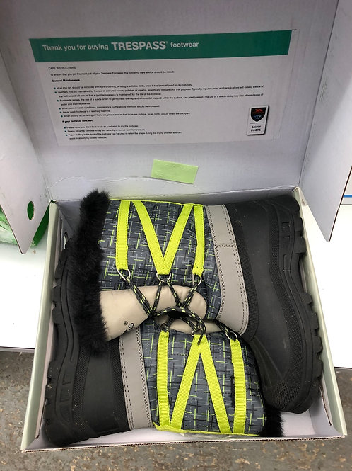 Child's snow boots (2:2)