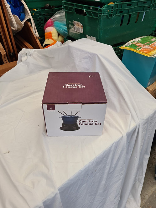 New cast iron fondue set (G1)