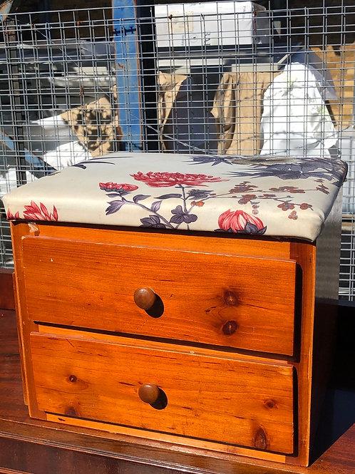 Small drawer set