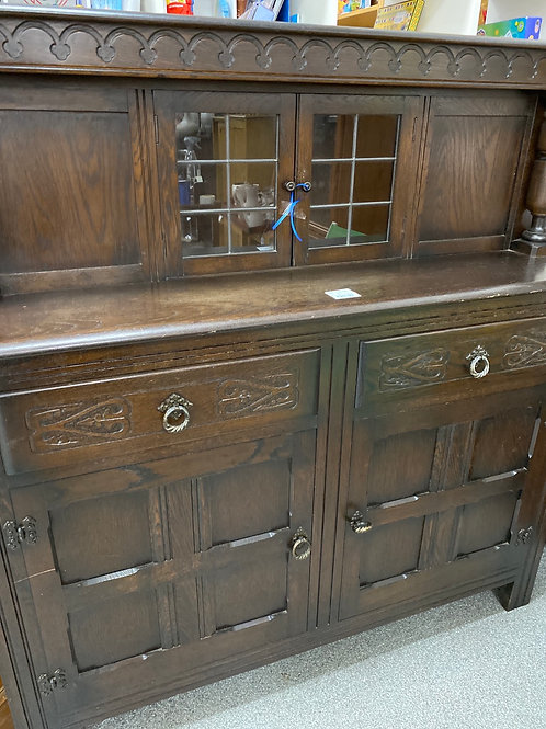 Dark wood small dresser (SS dine 31)