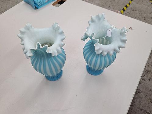 Pair of vintage delicate vases (P1)